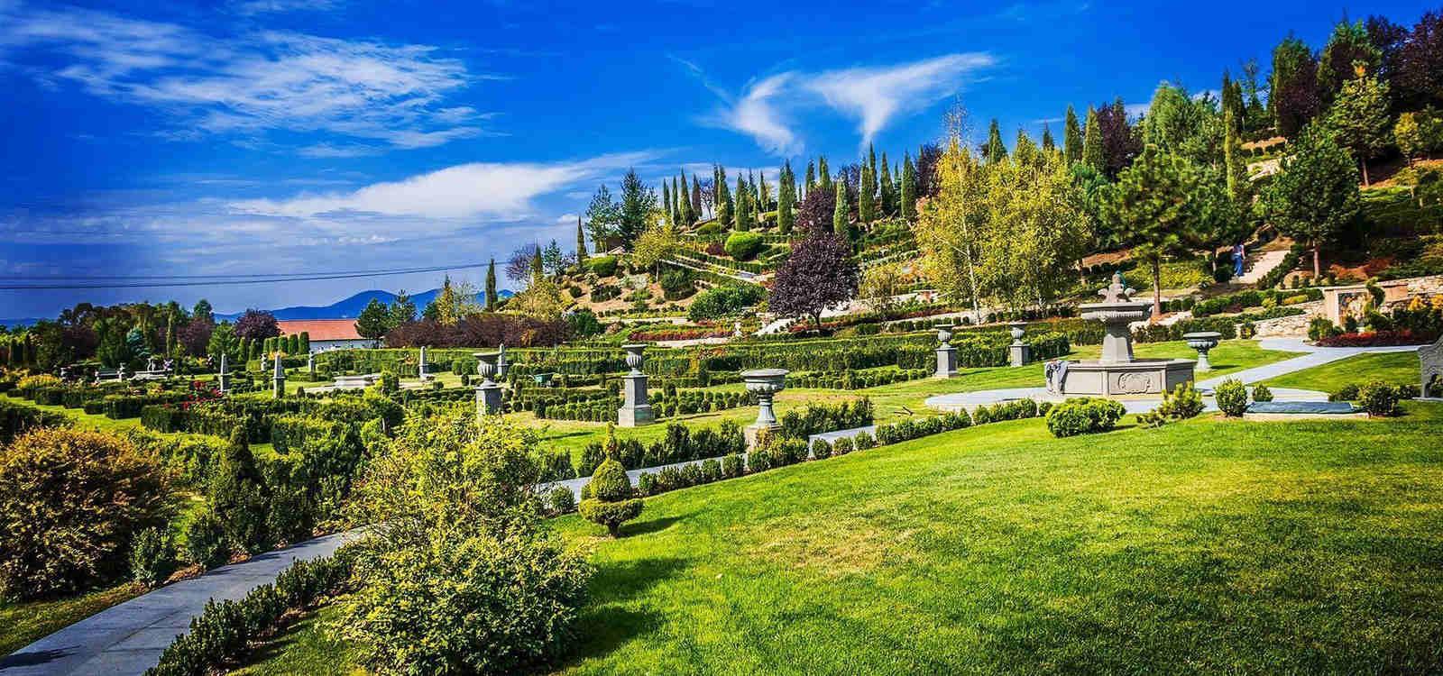 "Grădinile din Banpotoc – ""I Giardini di Zoe""- 2 zile"